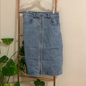 Fitted jean, zipper midi skirt